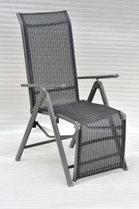 FOLDING CHAIR WITH AUTO FOOTREST